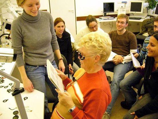 Low Vision-Beratung im klinischen Praktikum