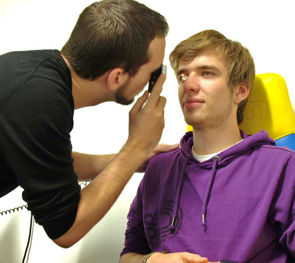 Übung zur direkten Ophthalmoskopie