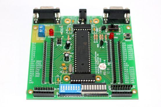 8051 Trainer Board basierend auf dem Maxim DS89C4XX