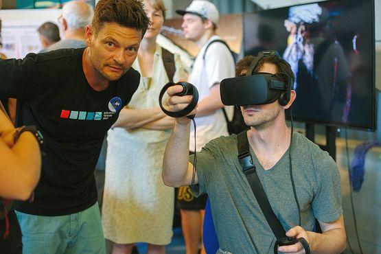 VR-Präsentation auf der LNDW 2019 (Foto: Beuth Hochschule für Technik/Zarko Matovic)