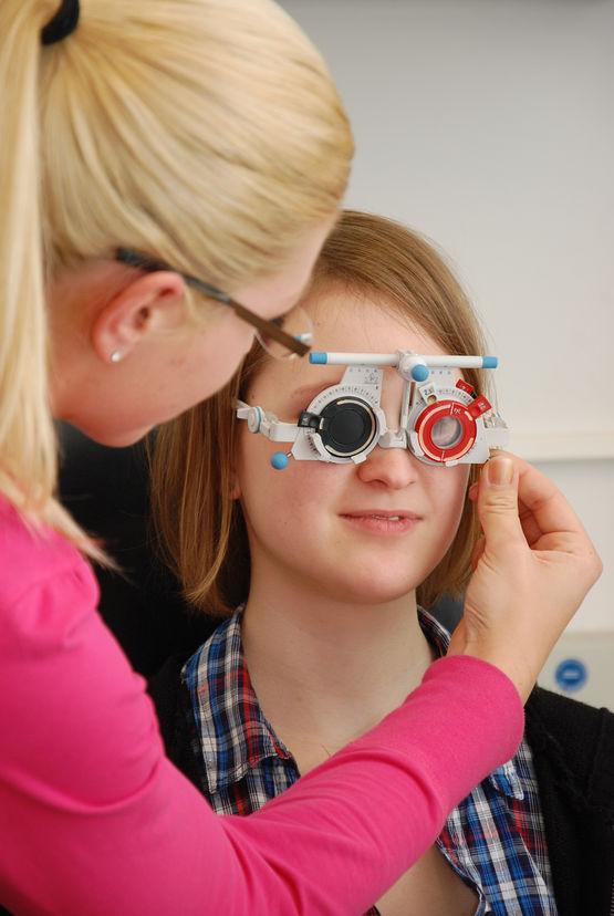 Übung zur subjektiven Refraktionsbestimmung per Messbrille